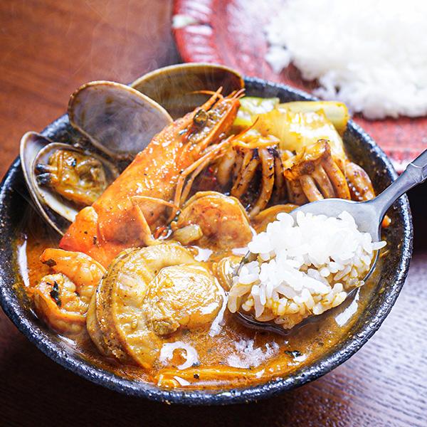 【食品ロス・食べて応援】[奥芝商店]大人気スープカレーセット(海鮮×角煮)